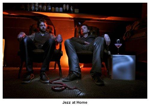 30-jezz-at-home